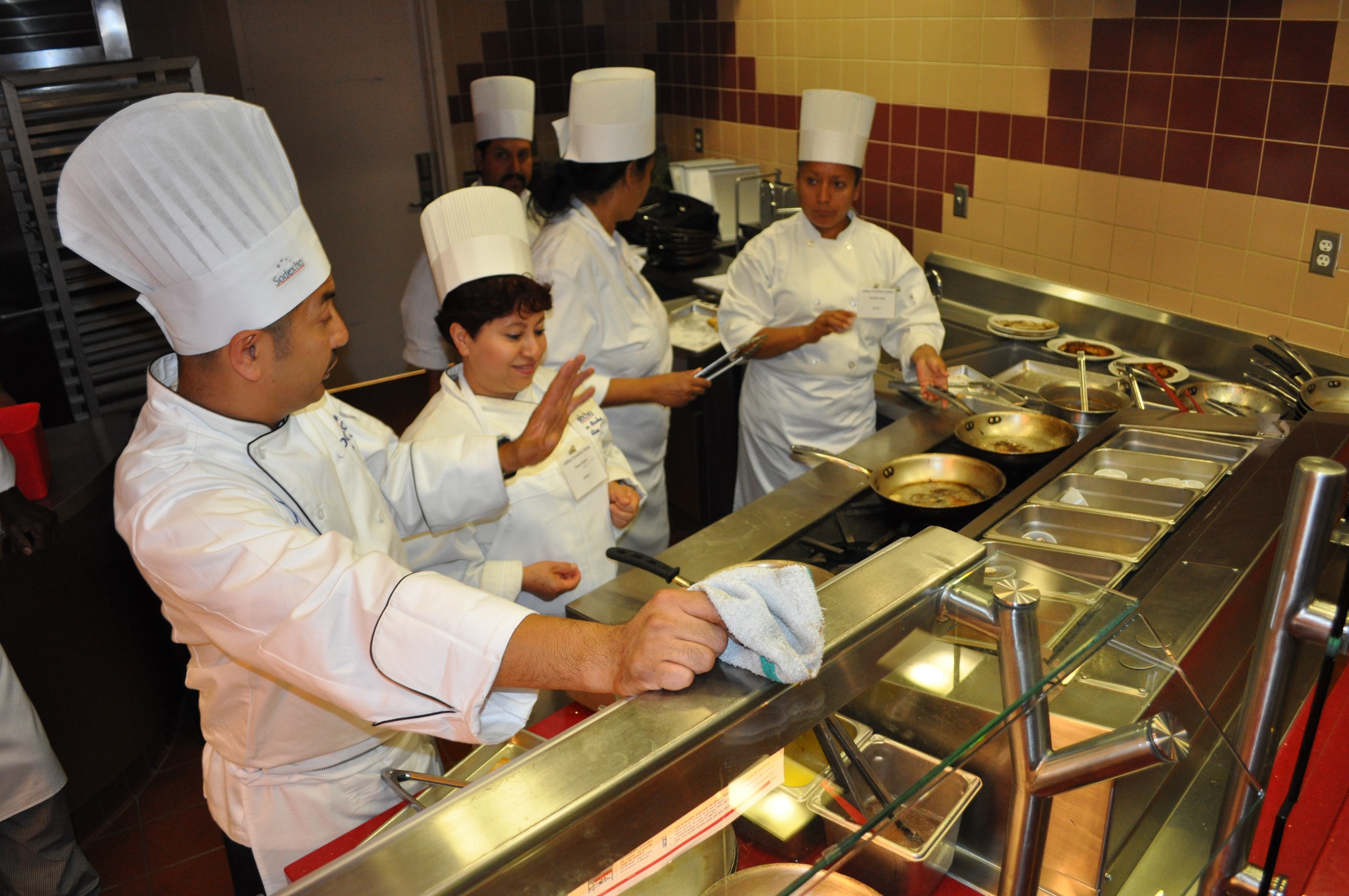 Saute skills sharpened at training in dining commons.