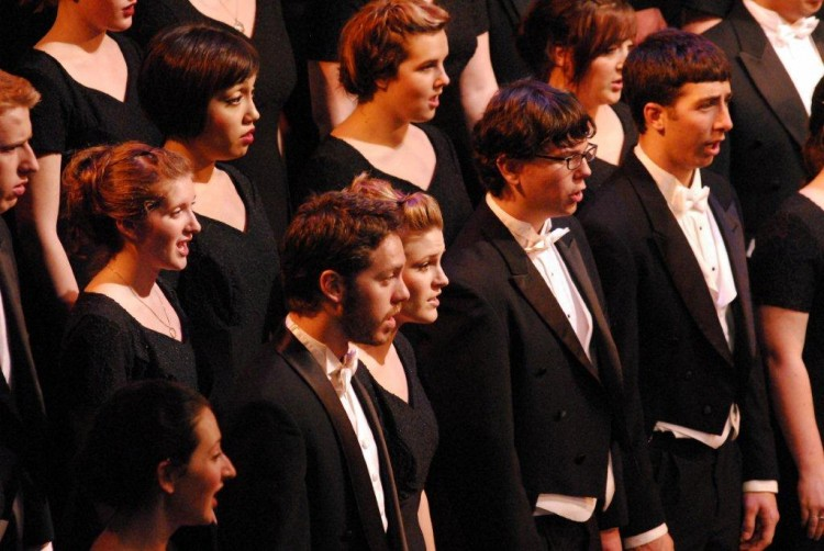 University Singers tour the Northwest, California during interterm.