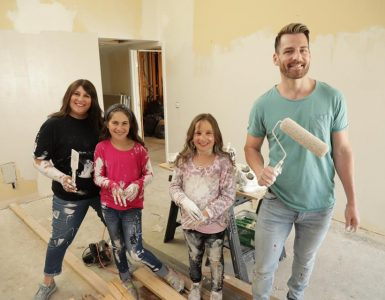 rabbi corie yutkin and her daughters with Orlando Soria on hgtv
