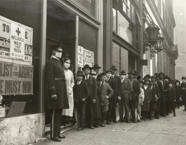 People in line for masks during 1918 flu