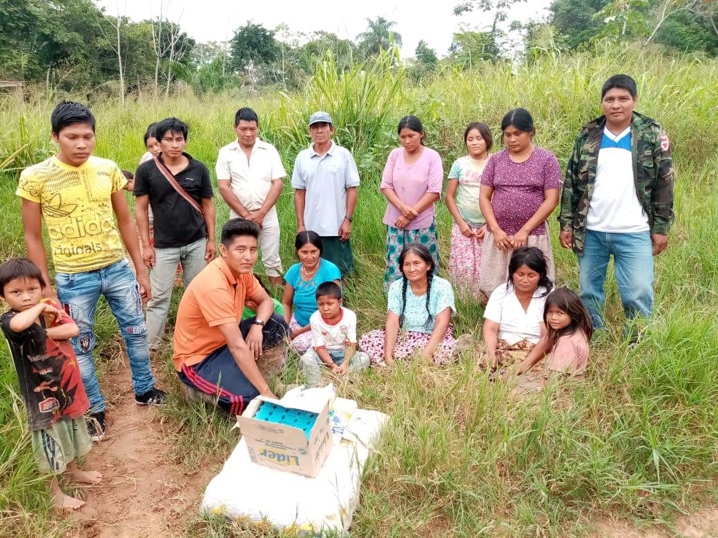 Tsimane villagers in field