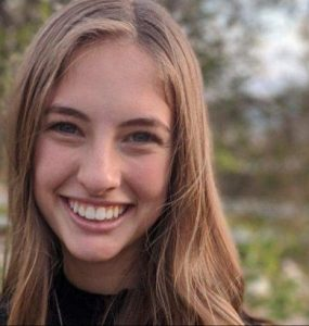 Portrait of Abby Bechtel '22