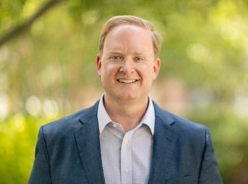 Portrait photo of Professor Luke Nichter